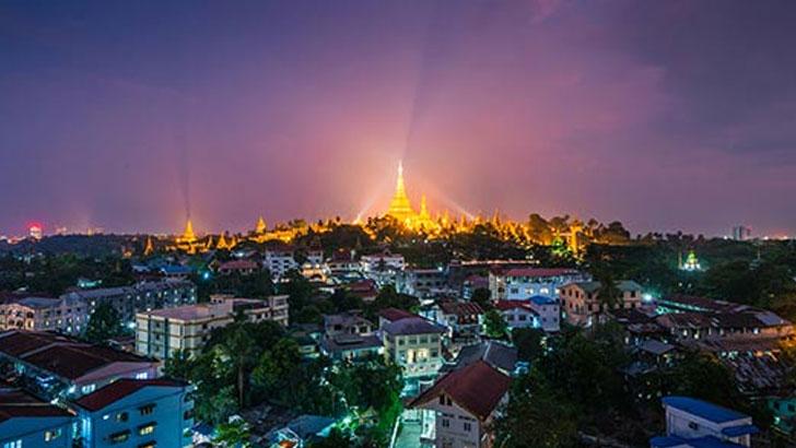 মিয়ানমারের প্রধান শহর ইয়াঙ্গুনের রাতের দৃশ্য। ছবি: সংগৃহীত