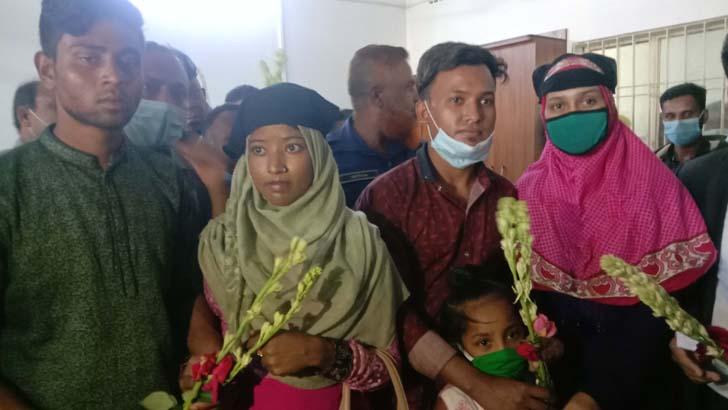 সংসার করার শর্তে ৫০ জনকে খালাস, ফুল দিয়ে বরণ করলেন স্ত্রীরা