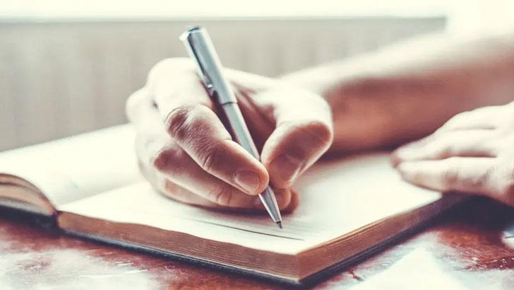 লেখক সত্তার বিকাশে যা করতে হবে