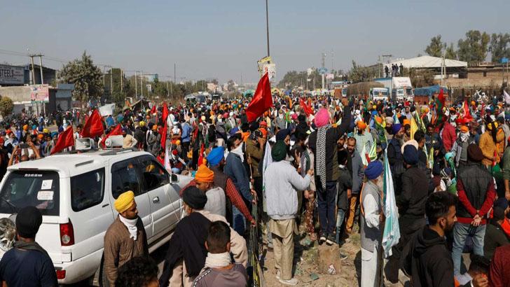 ভারতে পুলিশি বাধা উপেক্ষা করে দিল্লিতে ঢুকল বিক্ষুদ্ধ কৃষকরা