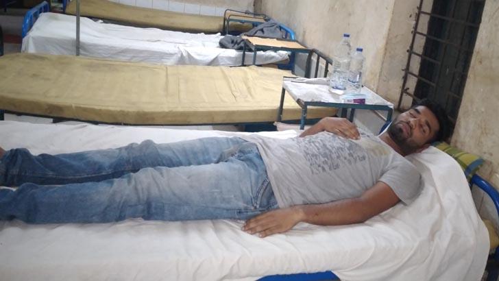 রায়পুরে কিশোর গ্যাংয়ের মারধরে মাইক্রোচালক আহত