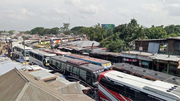 পাটুরিয়া-দৌলতদিয়া: পারাপারের অপেক্ষায় শত শত যানবাহন