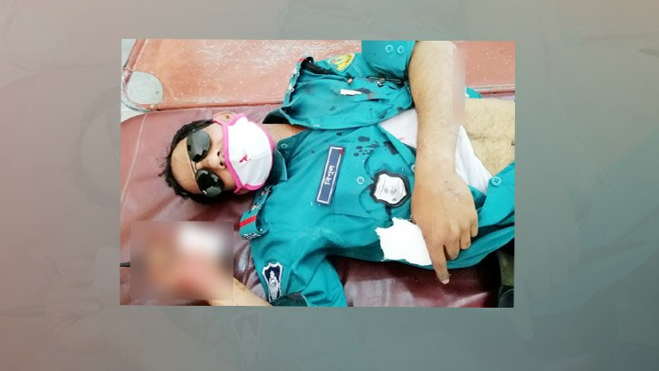 রাজশাহীতে ট্রাফিক সার্জেন্টকে পেটাল বাইক চালক