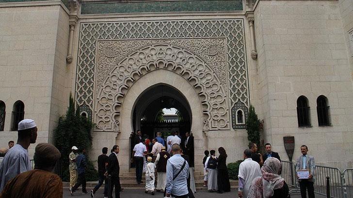 ফ্রান্সে 'মূল্যবোধের সনদ' প্রত্যাখ্যান ৩ মুসলিম সংগঠনের