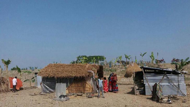 ঘোপখালী গ্রামে রাতের আঁধারে ঘর তোলা ঘর