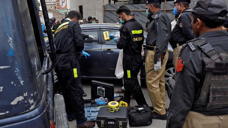 পাকিস্তানে ৪ নারী এনজিও কর্মীকে গুলি করে হত্যা