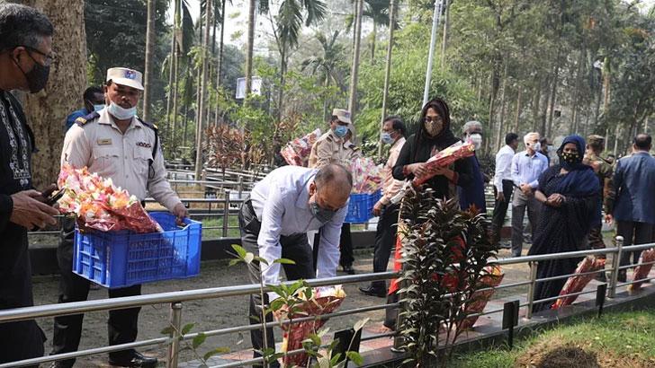 পিলখানা ট্র্যাজেডি: নিহতদের শ্রদ্ধায় স্মরণ