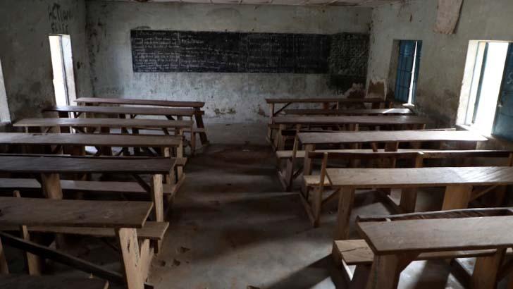 নাইজেরিয়ার স্কুল থেকে কয়েকশ ছাত্রীকে অপহরণ
