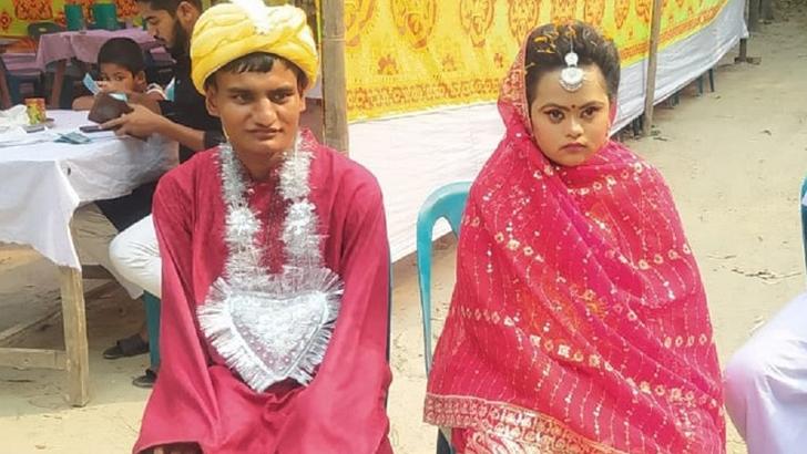 দুই প্রতিবন্ধীর প্রেম, মহাধুমধামে বিয়ে দিল এলাকাবাসী
