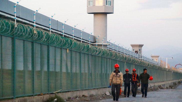 উইঘুর নির্যাতন: চীনের ওপর পশ্চিমা দেশগুলোর নিষেধাজ্ঞা