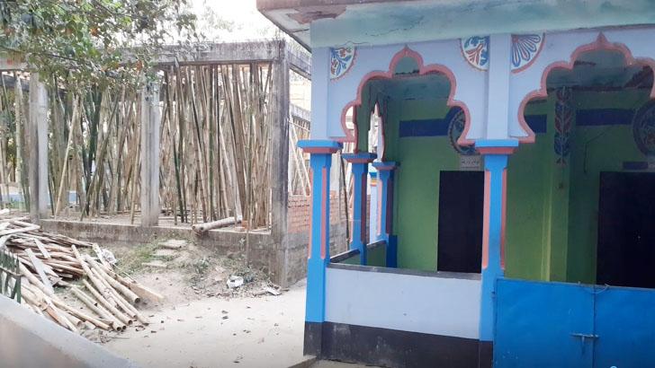 সীমান্তে মসজিদ নির্মাণকাজে বাধা না দেওয়ার আশ্বাস বিএসএফের