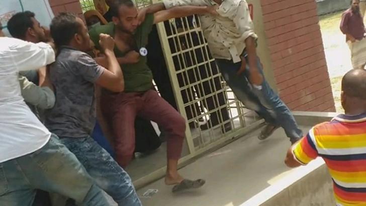 কালকিনি পৌর নিবার্চন: সংঘর্ষ বোমা বিস্ফোরণে আহত ৫