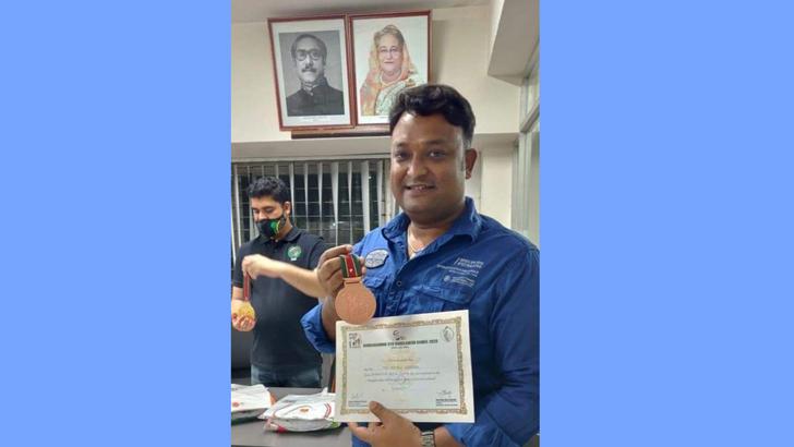 শুটিংয়ে ব্রোঞ্জ পদক জিতলেন এমপি শিবলী সাদিক