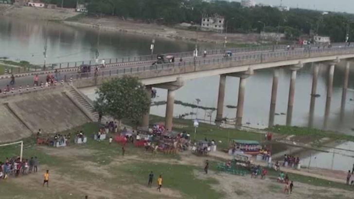 চাঁপাইনবাবগঞ্জের মহানন্দা সেতু