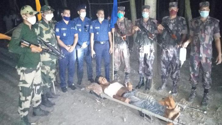 বিএসএফের গুলিতে আহত ভারতীয় কিশোরকে হস্তান্তর