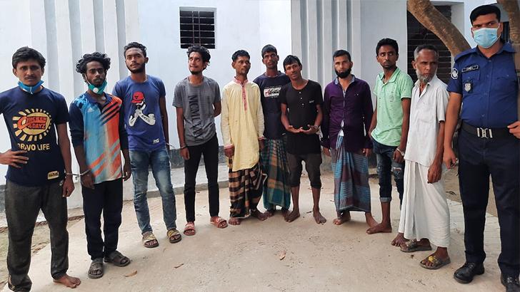 ব্রাহ্মণবাড়িয়ার হামলা-ভাঙচুর: ৩০ হেফাজতকর্মী গ্রেফতার