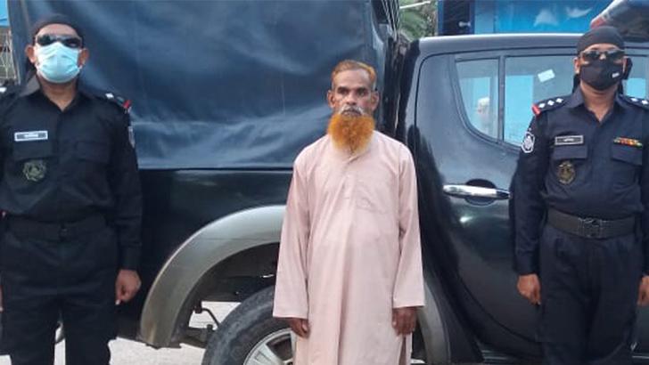 গ্রেফতার অভিযুক্ত ধর্ষক  মো. জালাল গাজী।