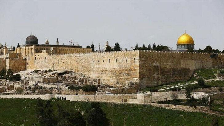 আল-আকসার ইমামের ওপর ইসরাইলের নিষেধাজ্ঞা