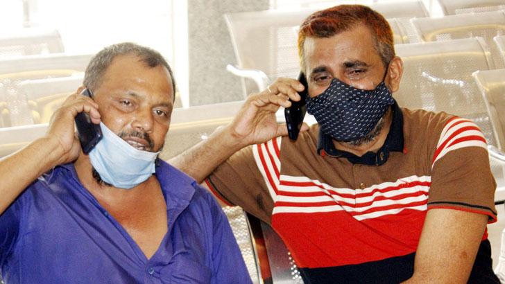 হাসপাতালে বাবার আকুতি 'আল্লাহ আমার পরিবারের সদস্যদের বাঁচিয়ে দেন'