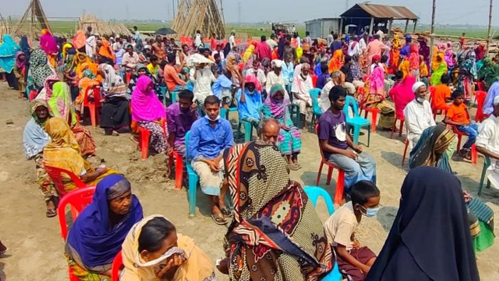 বাঞ্ছারামপুরে ১৬৫২ জন দুস্থ পরিবারের মাঝে নগদ অর্থ বিতরণ