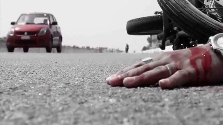 কাভার্ডভ্যানের ধাক্কায় রিকশাআরোহী বৃদ্ধার মৃত্যু, নাতনি আহত