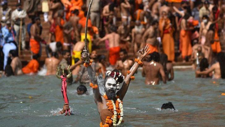 কুম্ভ মেলার তীর্থযাত্রীরা যেভাবে ভারতজুড়ে করোনা ছড়িয়েছেন