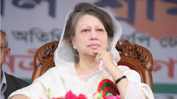 'খালেদা জিয়া তো বেঁচে আছেন, এটা ভেবেই আমরা উজ্জীবিত হই'