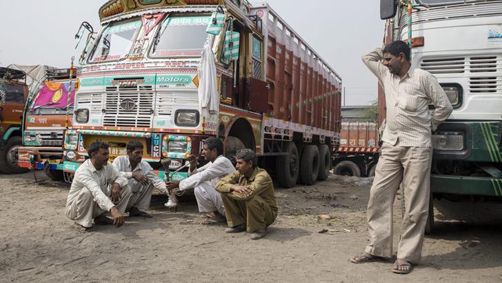 কঠোর নজরদারিতে ভারতীয় ট্রাক চালকরা