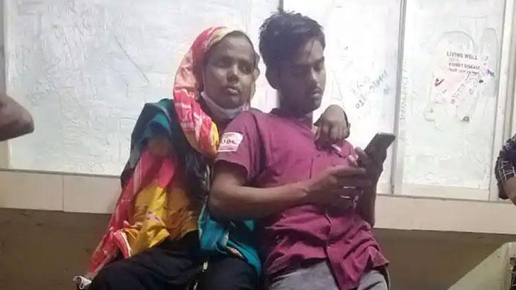 রংপুর মেডিকেল কলেজ হাসপাতালে মারধরের শিকার বিশ্ববিদ্যালয়ের শিক্ষার্থী দুই ভাই