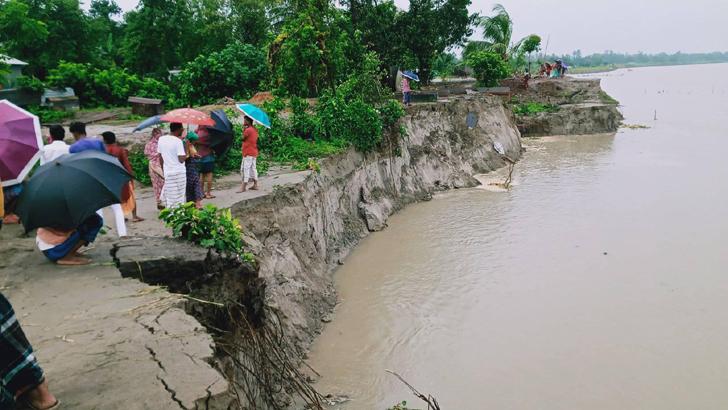 নদীগর্ভে বিলীন