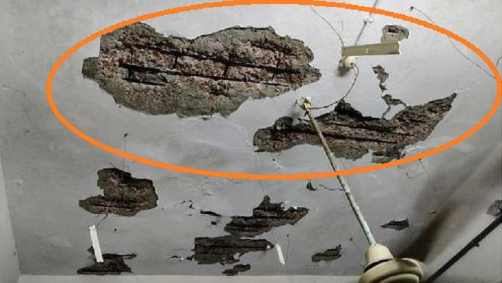 হাসপাতালের ছাদের পলেস্তারা খসে মাথা ফাটল চিকিৎসকের