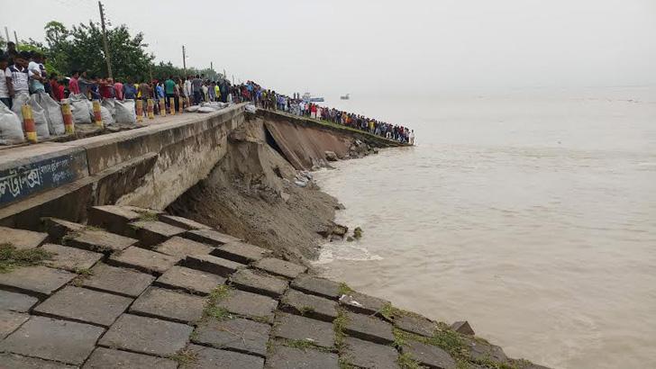 সিরাজগঞ্জ শহর রক্ষা বাঁধে ভাঙন
