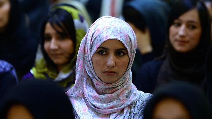 আফগানিস্তানে মেয়েরা আতঙ্কে, বাবাদের ঘুম হারাম