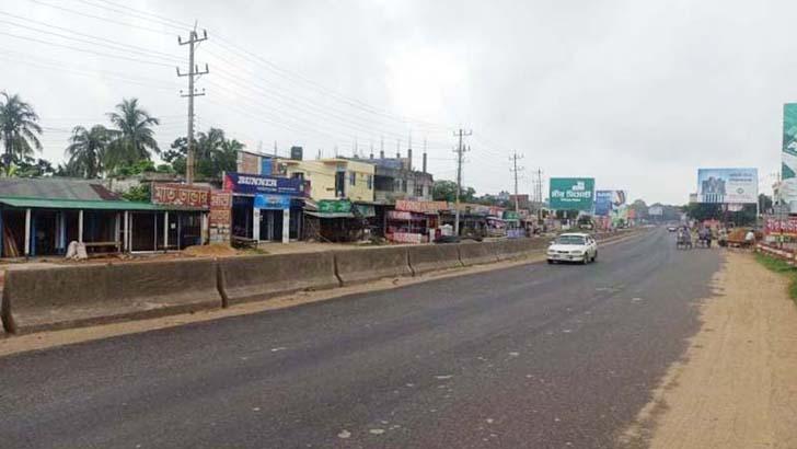 ঢাকা-চট্টগ্রাম মহাসড়ক: স্বস্তির ঈদযাত্রায় খুশি যাত্রীরা