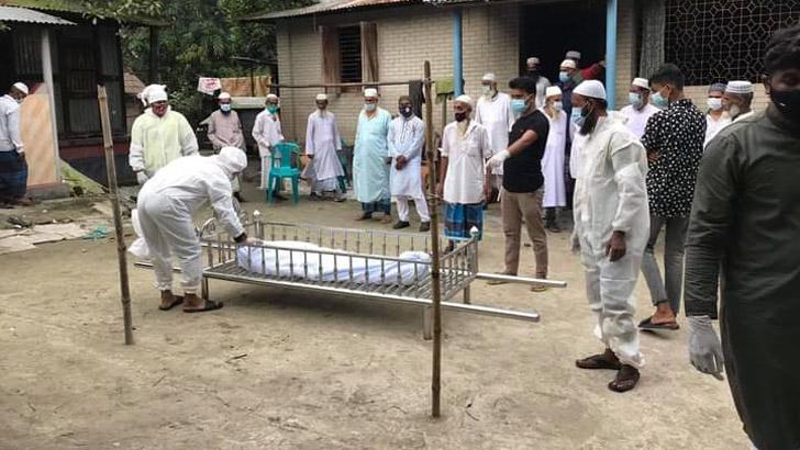 করোনা সন্দেহে লাশ নিল না পরিবার, দাফন করল ছাত্রলীগ