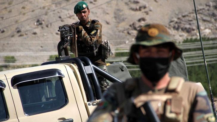 তালেবানের সঙ্গে তুমুল সংঘর্ষে নিহত ১৯ আফগান সেনা