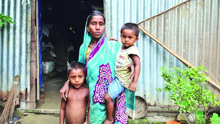 আমরারে কেডা ঘর দিব অঞ্জনা মল্লিক