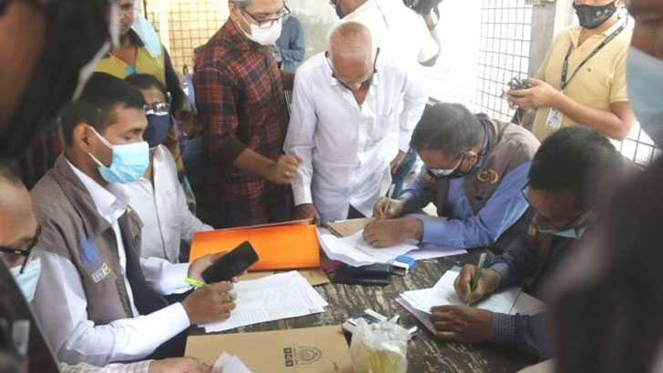 রূপগঞ্জের অগিকাণ্ডে নিহত শ্রমিকদের লাশ হস্তান্তর শুরু