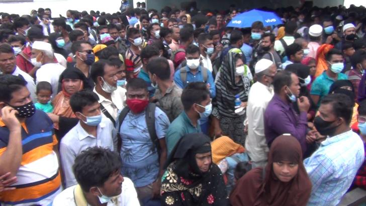 বাংলাবাজার-শিমুলিয়া রুটে ঢাকামুখী যাত্রীদের চাপ অব্যাহত