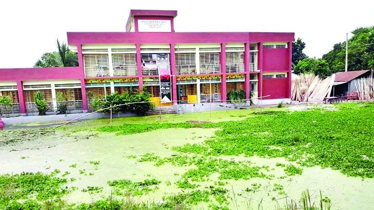 শাহজাদপুর চাটমোহরে বন্যায় প্লাবিত অর্ধশতাধিক বিদ্যালয়