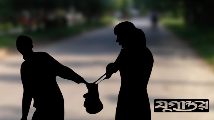 ব্যাংক থেকে টাকা তুলতে গিয়ে প্রতারকের খপ্পরে দুই বোন