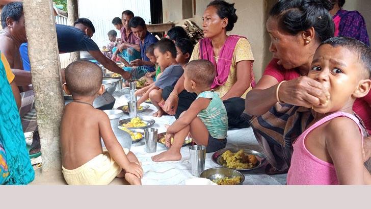 গারো পল্লীতে 'আমজনতার হোটেল'