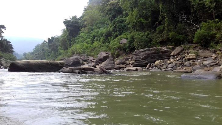 নাফাখুম রোমাঞ্চ