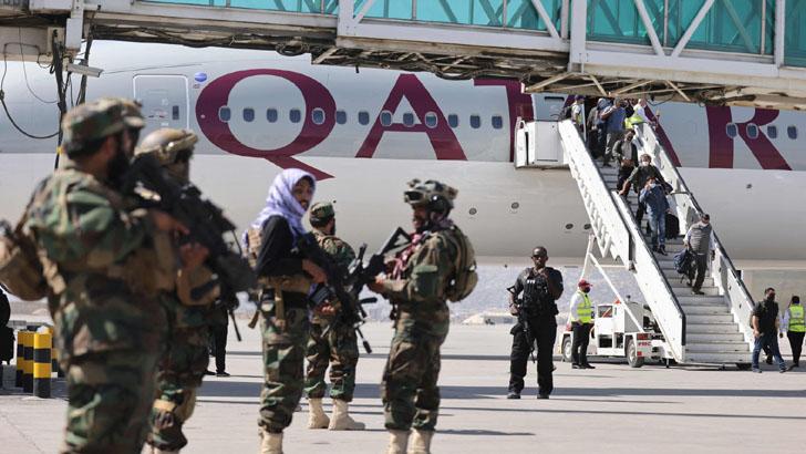 কাতারের বিমানে আফগান ছাড়লেন ইউরোপ ও মার্কিন নাগরিকরা