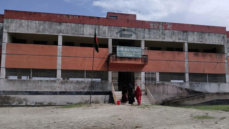 চিলমারী স্কুল