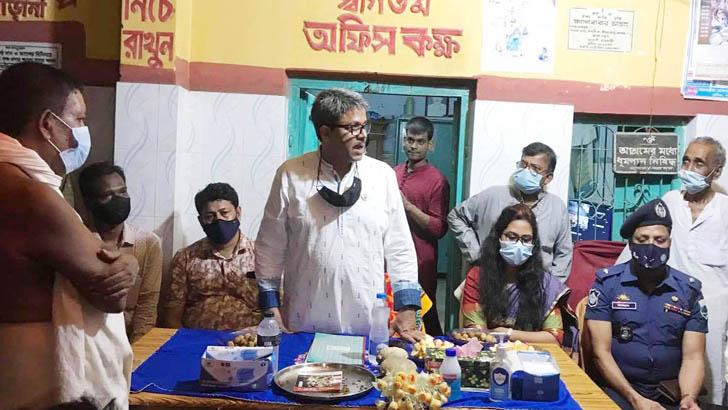 হিন্দু সম্প্রদায়ের নেতাদের সঙ্গে পররাষ্ট্র প্রতিমন্ত্রীর শুভেচ্ছাবিনিময়