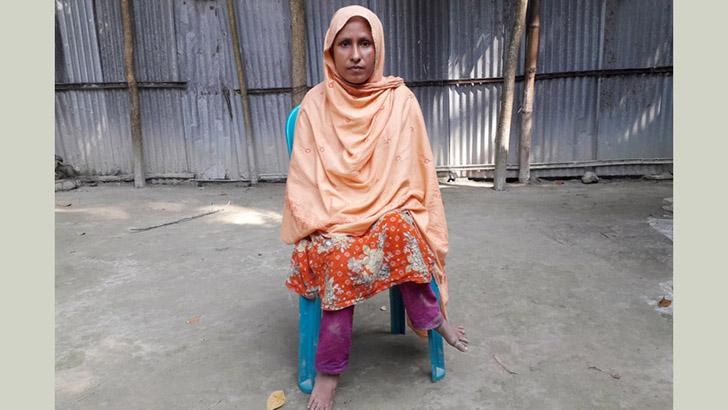 হামাগুড়িতেই কেটে গেল রাশিদার জীবনের ৪০ বছর