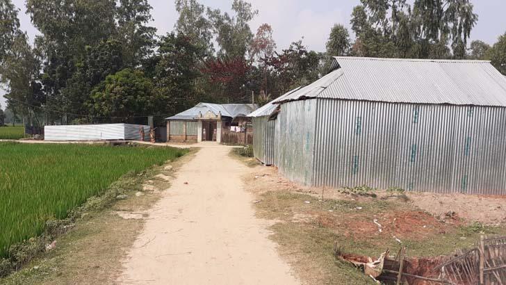 চকচক করছে পীরগঞ্জের হিন্দুপল্লি